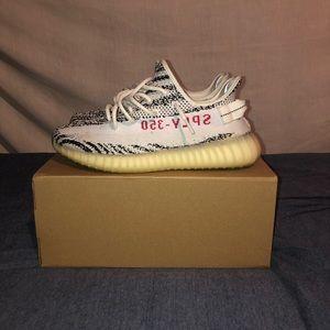 Yeezy Boost 350 V2 Zebra size 9.5
